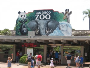 San_Diego_Zoo_entrance_-10July2007